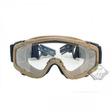 Brillen aus transparentem Glas. ACU