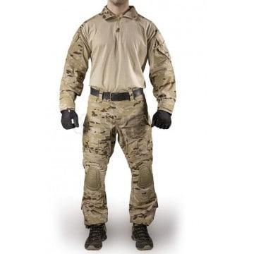 Uniforme de combate en camuflaje árido pixelado