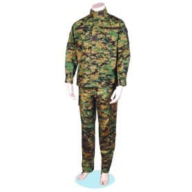 Uniforme militar en camuflaje Digital Woodland