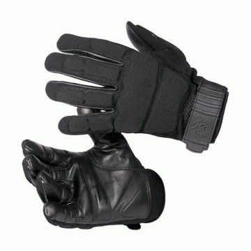 Tactical gloves anti-cut blacks of the VEGA brand.