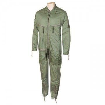 Artículo: Mono piloto Marca: Foraventure Color: Verde Características: - Cierre por cremallera. - Bolsillos en pecho, brazos y p