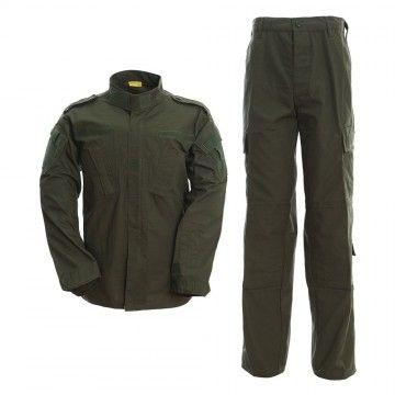 Uniforme militar en camuflaje Verde Oliva
