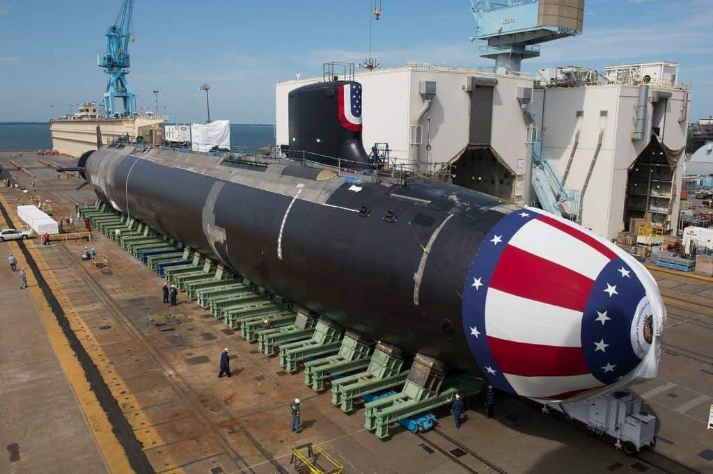 EE.UU. presenta al USS John Warner, el submarino más letal de su armada.