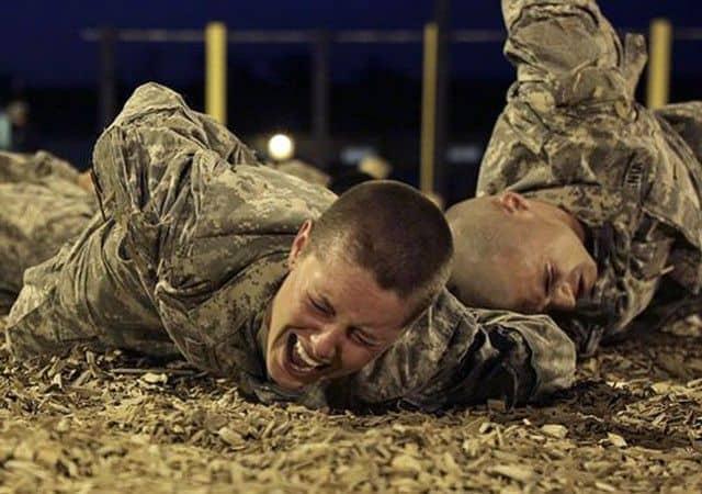 La Teniente ONeill en la vida real: dos mujeres se gradúan en la escuela Ranger