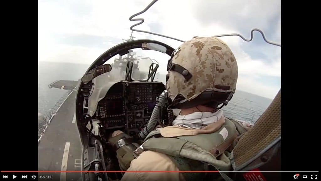 Vive en primera persona despegues y aterrizajes desde los grandes portaaviones !