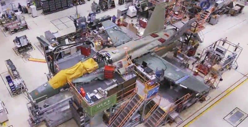 ¿Sabes como se construye un F18?