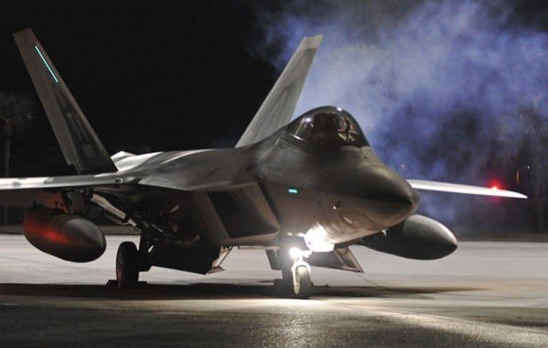 F-22: Querer y ... ¿no poder?