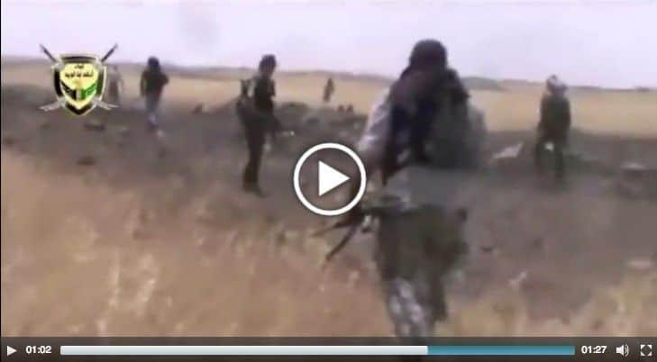 Soldados sirios fingen su rendición ante ISIS ... y atacan por sorpresa!